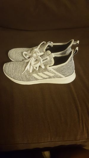New adidas cloudfoam women size 9 1/2 for Sale in Phoenix, AZ