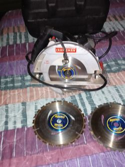 Craftsman 7 1/4 Circular Saw With Huge Nice Black Carey Case For Saw And 3 Almost Brand New Blades for Sale in Clackamas,  OR