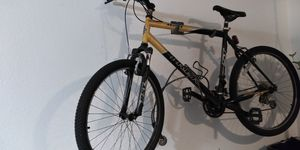 Trek 820 mountain bike for Sale in Phoenix, AZ