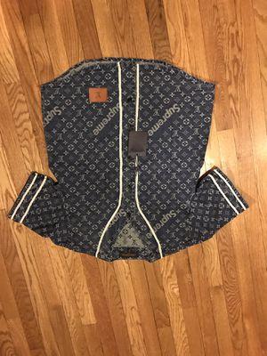 Louis vuttion supreme shirt size medium for Sale in Upper Marlboro, MD