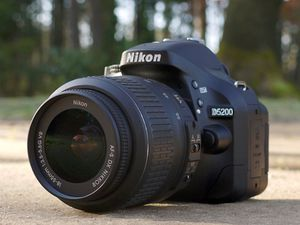 Nikon d5200 for Sale in Cleveland, OH