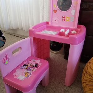 Toddler Minnie Mouse Vanity Desk for Sale in Chula Vista, CA