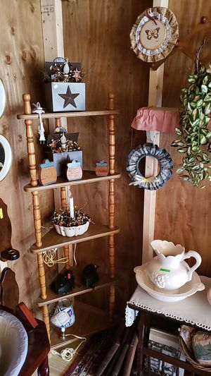 Country crafts and more for Sale in Farmville, VA