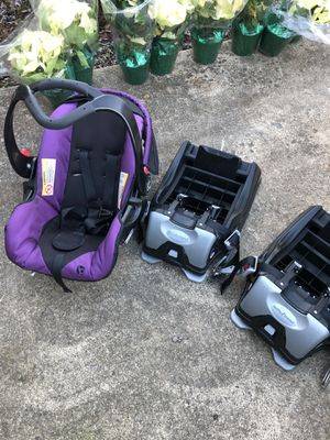Graco Infant Seat & 2 bases Expires 12/23/21 for Sale in Lorton, VA
