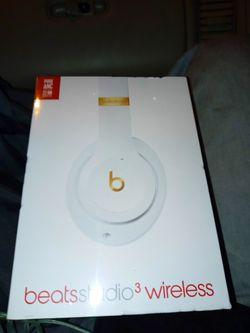 Brand new Beats Studio 3 headphones for Sale in La Mirada,  CA
