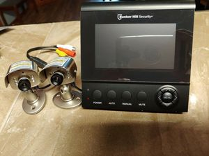 Security cameras w/ night vision and monitor for Sale in Bonney Lake, WA