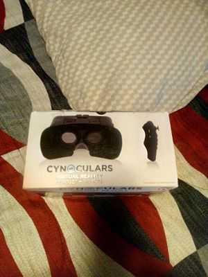 Brand new never open cynoculars headset with remote must go goes with iPhone 6 plus and Samsung Galaxy S7 edge and Samsung Galaxy note 5 asking 10 for Sale in Cleveland, OH