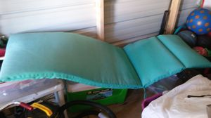 Lounge chair pad clean for Sale in Ailey, GA