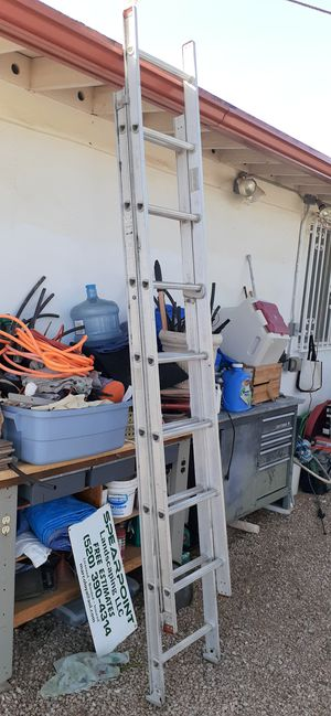 Extendable ladder for Sale in Tucson, AZ