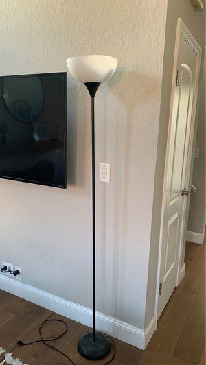 Floor lamp for Sale in Castro Valley, CA