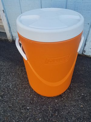 Large water cooler Coleman for Sale in Everett, WA