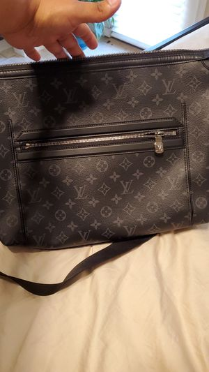 Loius Vuitton messenger bag for Sale in Covina, CA