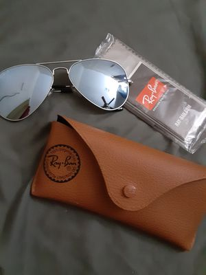 Brand new polarized ray bans!! for Sale in Lancaster, TX