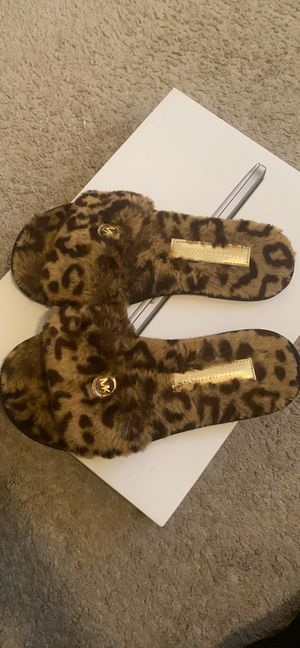 Michael Kors Bedroom Slippers for Sale in Sterling, VA