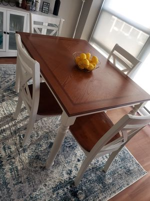 Kitchen table with 4 chairs for Sale in Chicago, IL