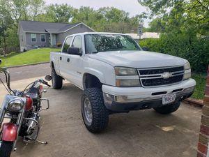 Chevy Silverado 1500 hd for Sale in St. Louis, MO