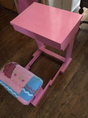 Kids princess foldable desk for Sale in Bell Gardens, CA