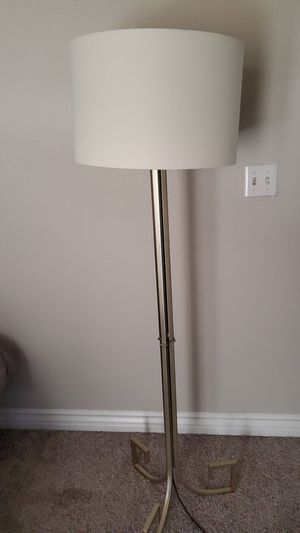 Floor lamp for Sale in Las Vegas, NV