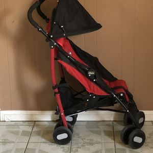 LIKE NEW CHICCO LIGHT WEIGHT STROLLER for Sale in Riverside, CA