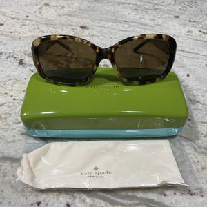 Brand new Kate Spade women's sunglasses for Sale in Fort Lauderdale, FL