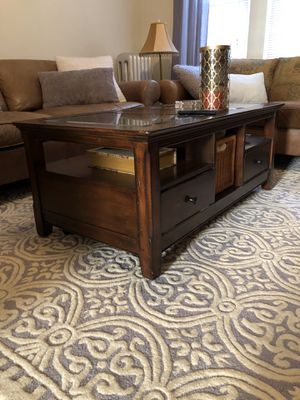 Coffee table for sale - selling TODAY for Sale in Chicago, IL