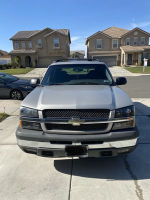2004 Chevrolet Avalanche for Sale in Perris, CA