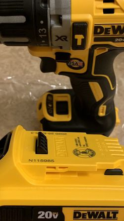 DEWALT 20-Volt MAX XR Cordless Brushless 3-Speed 1/2 in. Hammer Drill for Sale in Queens,  NY