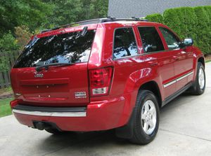 Runs/Great 2005 Jeep Grand Cherokee Car runs and drives excellent with no issues at all!! for Sale in Washington, DC