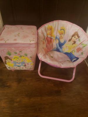 Disney princesses kids chair & ottoman bundle for Sale in Seagoville, TX