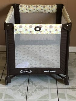 PRACTICALLY NEW GRACO PLAY PEN for Sale in Riverside,  CA
