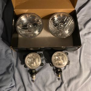 2017 Jeep Wrangler Headlights And Foglights for Sale in North Attleborough, MA