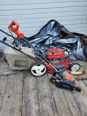 Toro lawnmower and edge cutter for Sale in HILLTOP MALL, CA