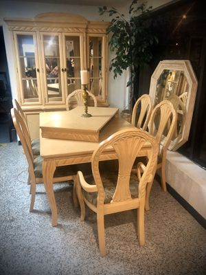 Dining room set and Chinese cabinet solid wood (Thomasville) for Sale in Longwood, FL