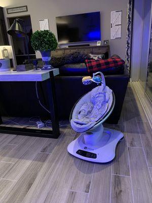 4Moms momaroo 4 swing with infant insert for Sale in Queen Creek, AZ