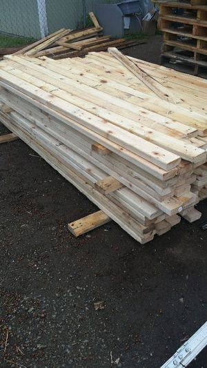 Lumber 2 x 4 x 6ft long boards Pine for Sale in Kent, WA