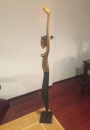 """Vintage Wood Carving Carved Wooden Statue Nude Female Woman Art Sculpture 24 """" Tall (Porter Ranch Ca) for Sale in Porter Ranch, CA"""