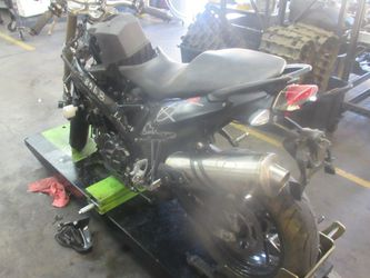 PARTED OUT - 2016 05-18 Bmw F800R - Motorcycle parts - C97766 for Sale in Anaheim,  CA
