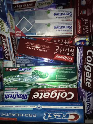 Crest or Colgate toothpaste 3x $5 for Sale in Fontana, CA