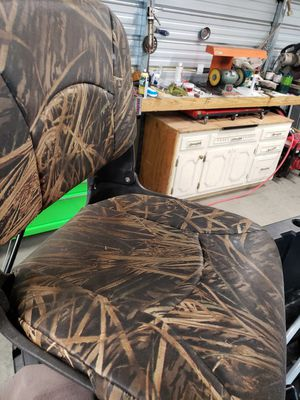 Bass pro vinyl boat seats for Sale in Alma, GA