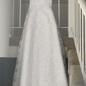 New Wedding Dress Sample Sale Size 6 for Sale in Laguna Niguel, CA