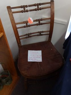 Antique Rocking Chair for Sale in Crystal River,  FL