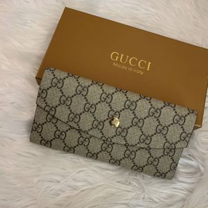 Gucci GG Women's Wallet With Cardholder for Sale in Fort Worth, TX