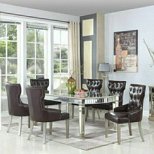 Beautiful Mirror Dinning Table With 6 Leather Chairs for Sale in Algona, WA