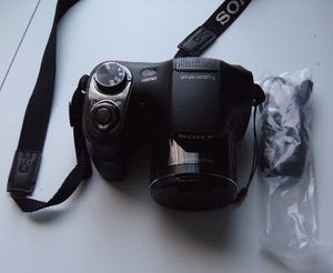 Digital Camera Sony Cybershoot DSC-200. 20.1 MP. 26 X. Good condition. Working very good. for Sale in Saint Paul, MN