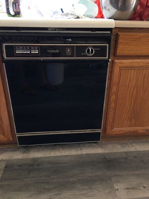 GE kitchen appliance package dishwasher and microwave for Sale in Chandler, AZ