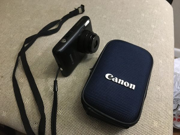 Canon Powershot 14.1 MP Digital Camera with 4 GB memory card