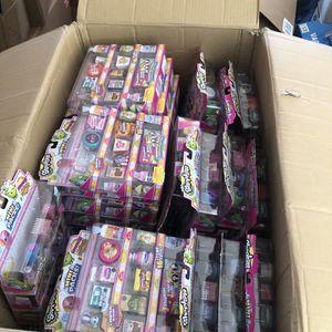 Bulk Lot of 75 Shopkins Season 10 Shopper Mini Packs for Sale in Menifee, CA