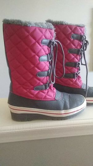 Girls size 3 boots for Sale in Auburn, GA