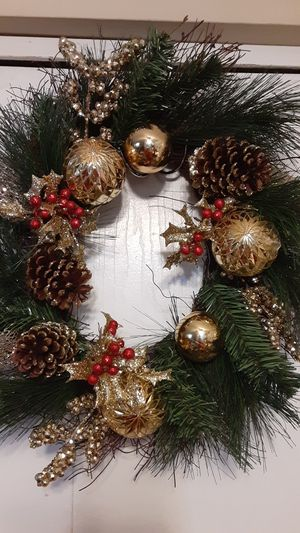 Christmas wreath for Sale in Hilliard, OH
