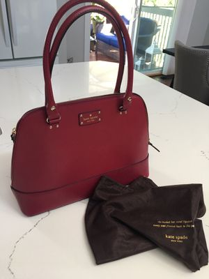 Purse Kate Spade (color red- plum) for Sale in Federal Way, WA